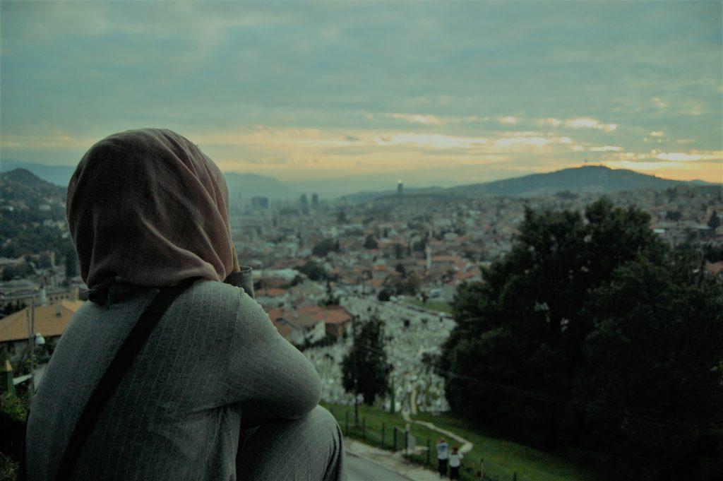 Sarajevo dall'alto al tramonto