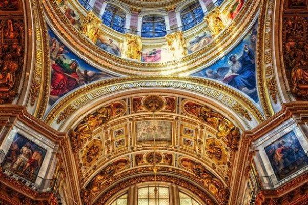 Cattedrale San Isacco a San Pietroburgo