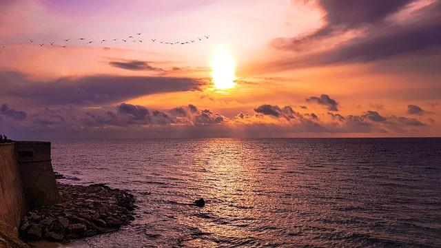 vacanze slow in salento, un tramonto da Gallipoli.