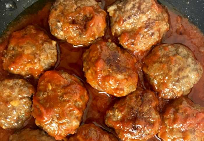 piatti della tradizione Brindisina: polpette al sugo
